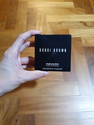Bobbi Brown Brightening Brick in Pink