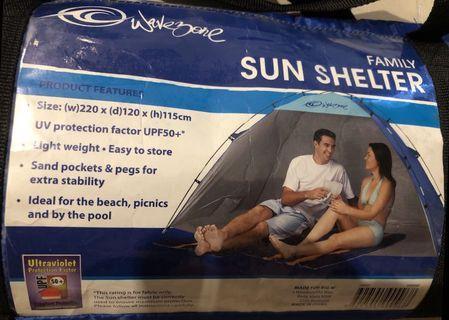 Outdoor beach sun shelter