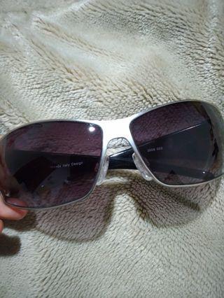 Kacamata Gaya Keren