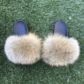 Natural Fox Fur Slides