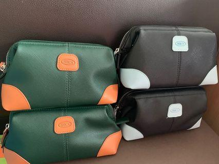 Bric's Travel Pouch and amenities