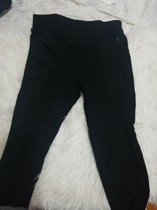 Leggings with mesh down the sides