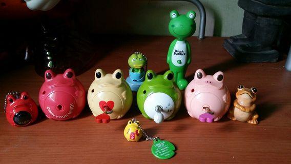 🚚 早期絕版2002 儲蓄 青蛙鑰匙存錢桶 神社大吉蛙 等等青蛙