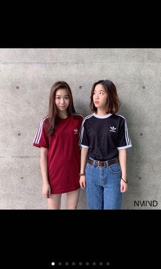 🚚 adidas 三線 酒紅短t