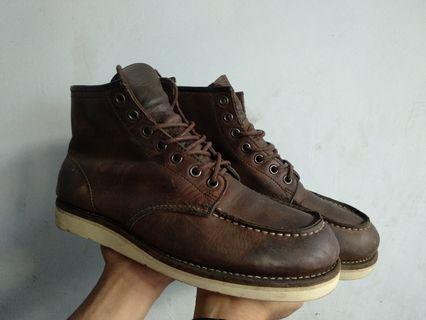 Hawkins boots size 41