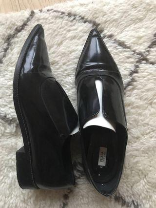Furla Patent Leather Pointy-Toe Shoes