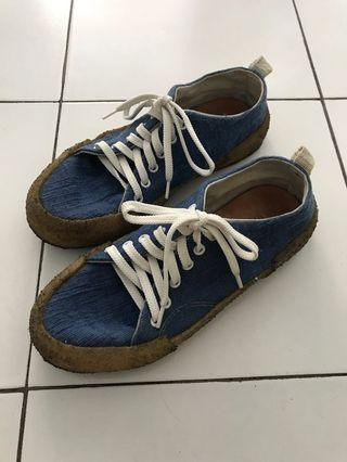 Blue Comfy Sneakers by Pijakbumi