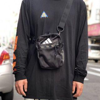 🚚 Adidas Originals Parkhood Shoulder Bag