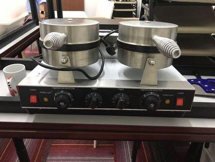 🚚 Waffle machine for sale! Quick sale! In usable condition.