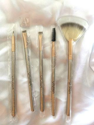 BN assorted makeup brushes