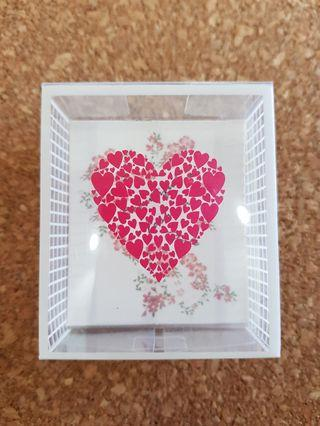 Transparent gift box with card
