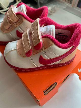 🚚 Nike Baby Shoes roadrunner