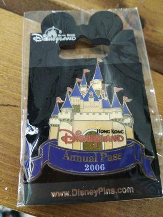 2006年香港迪士尼Annual pass襟章