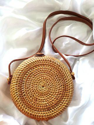 ✨ BN round rattan sling bag