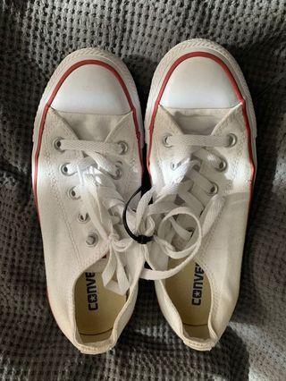 White clean converse