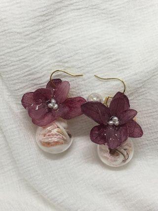🚚 全新手作耳環✨夏日繡球花玻璃球耳環💐(紫紅)