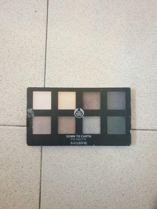 DIJUAL LAGI BUTUH UANG The Body shop Down To Earth eyepalette