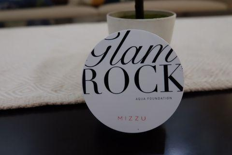 Mizzu glame rock cushion shade #3 Alluring