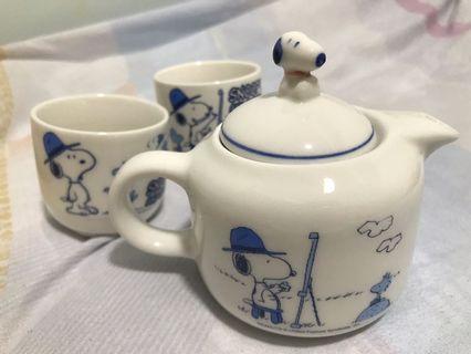 全新Snoopy 茶壺和杯 (Peanuts teapot set)