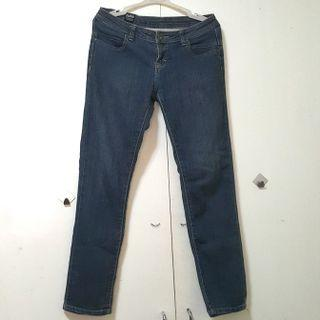 Lee Low-Rise Jeans (FREE SF)
