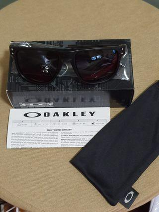 Oakley Sunglasses OO9379