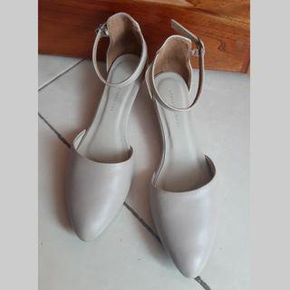 Sepatu Yongki Komaladi No.38