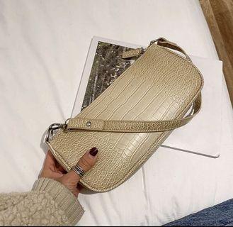 Vintage Croc Handbag (Cream)