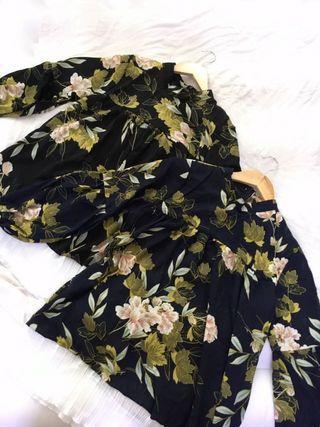 Basic floral blouse
