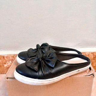 Black Slip Bunga