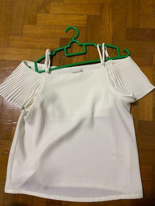 🚚 off shoulder white top