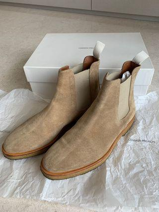 🚚 Common Projects Chelsea Boots in Suede Khaki