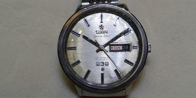 古董自動梅花錶