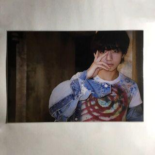 BTS Exhibition Book 2018 Unreleased Live Photo Taehyung