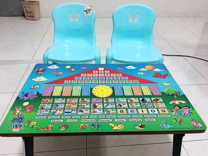 🚚 Children table and chair