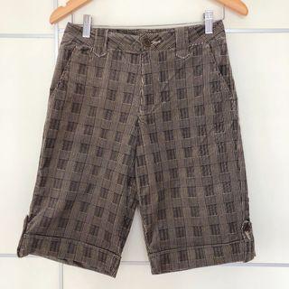 Veeko style brown / black checkered shorts 英倫風啡色/ 黑色格子短褲
