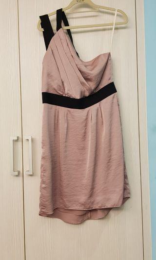 紫羅蘭鍛面斜肩小禮服