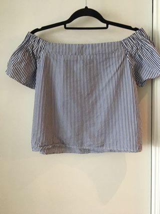 Woman's off the shoulder top size small