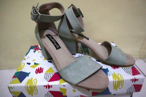 Adorable Projects Minty Heels Lucu