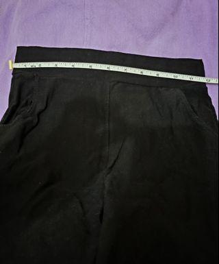 【HKD10兩條橡根腰修腳褲】(圖一至三:黑色;圖四至六:藍色)