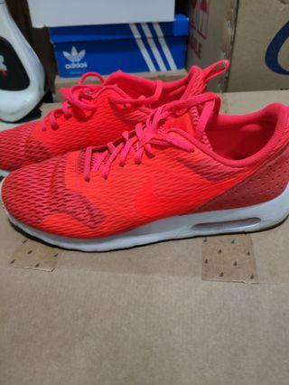 🚚 Nike max tavas