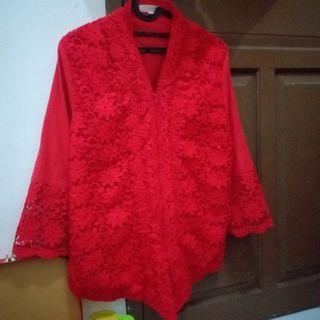 Kebaya modern merah
