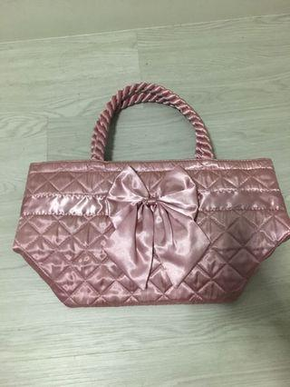 🚚 Naraya pink satin bag