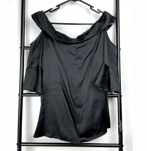 Cue sz 10 black basic cold shoulder top blouse bell sleeves satin smart casual