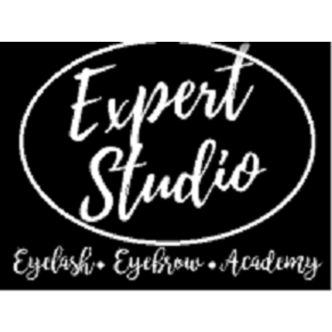 EyeleashExpert MY Studio Look for Beautician Assistance