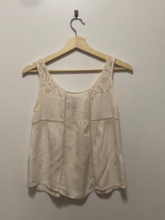 H&M lace off white top