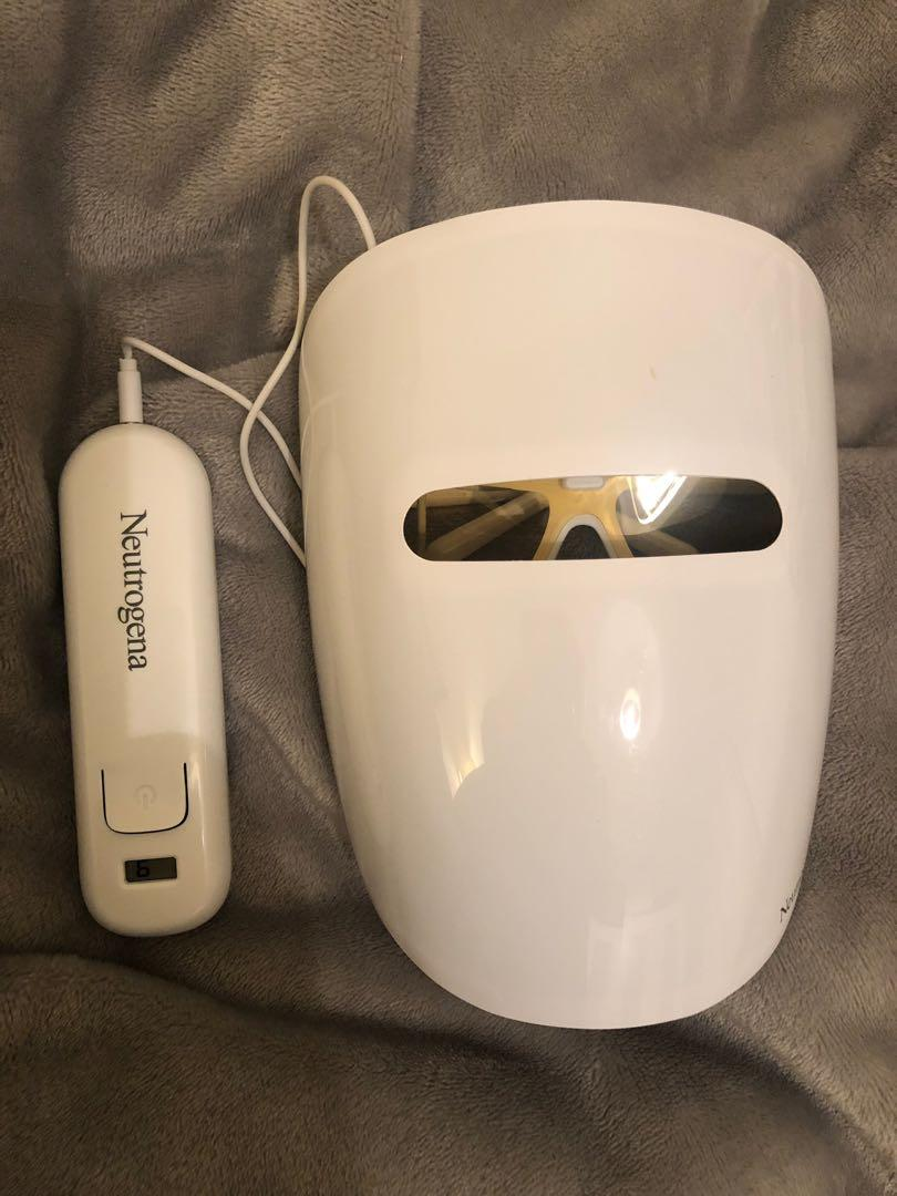 Neutrogena LED Red & Blue Light Therapy Acne Face Mask