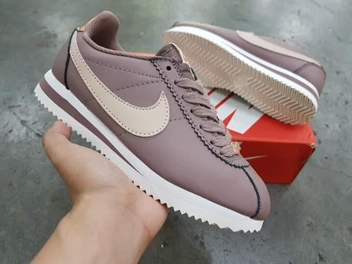 nike cortez limited edition, Women's
