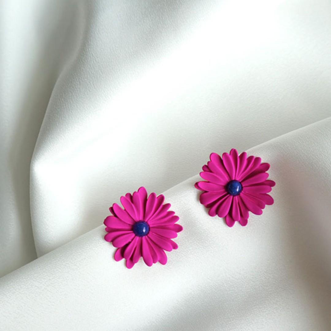 Premium Made in Korea Homaika Dandelion Flower Earrings Titanium Needle Brand New SA-94501