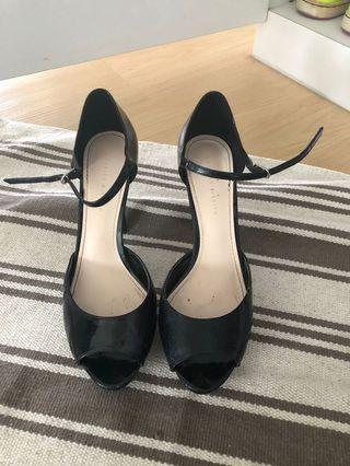 """🚚 Charles & Keith Black 4.5"""" Heels"""