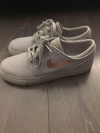Nike Skateboard Zoom sneakers